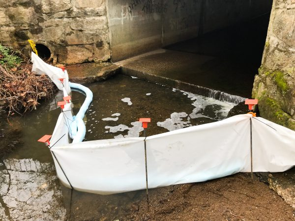 Petroleum Oil Fuel Filter Fence Spills on Water